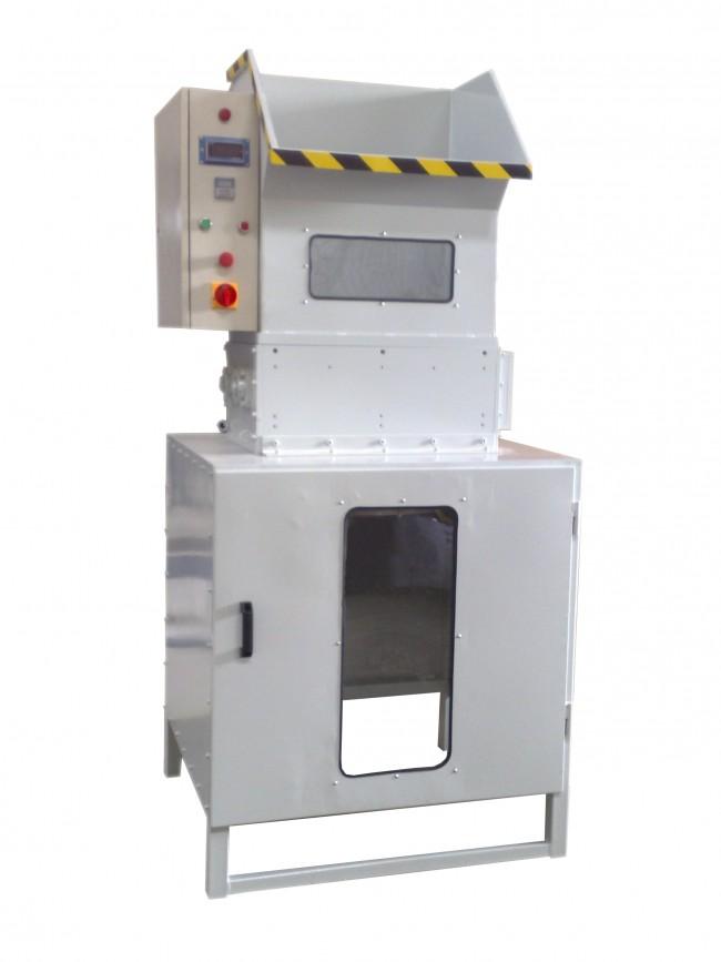 TRITURATORE PER SCARTI DI POLISTIROLO EPS Modello FS370, Produzione kg/h 250